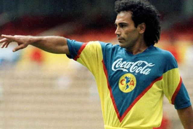 Hugo Sánchez estaría dispuesto a dirigir al América