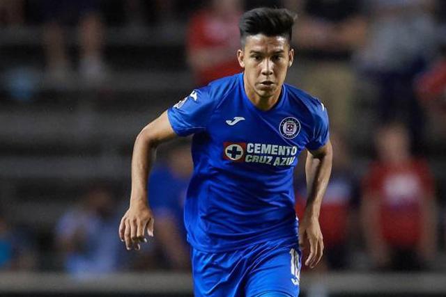 Pol Fernández quiere quedarse en Cruz Azul, asegura Reynoso