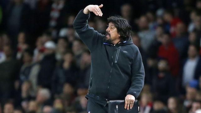 Mono Burgos dirigiendo un encuentro del Atlético de Madrid