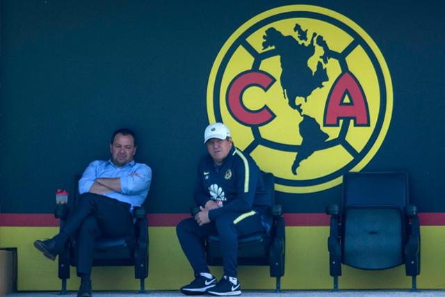 Miguel Herrera y Santiago Baños
