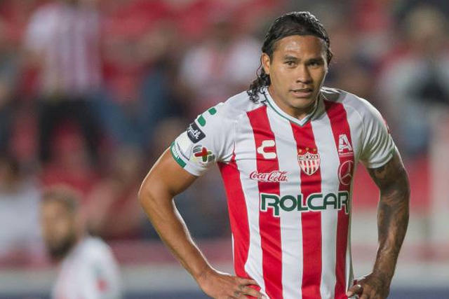 Gullit Peña llega al futbol de El Salvador