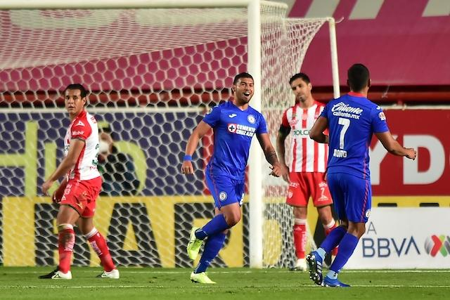 Cruz Azul logra su segunda victoria del Guard1anes 2021