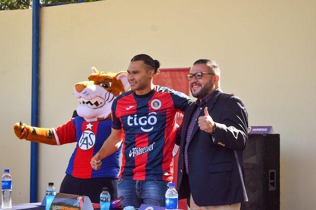 """""""El Gullit"""" Peña anotó en la goleada de su equipo"""