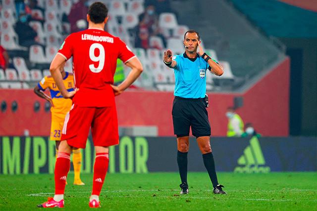 Gol del Bayern Múnich tuvo que ser anulado por mano de Lewandowski