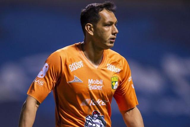 Rodolfo Cota sería suplente en León por 'ofrecerse' a Chivas