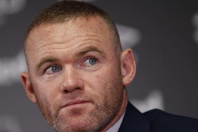 Wayne Rooney pide dejar de usar el VAR