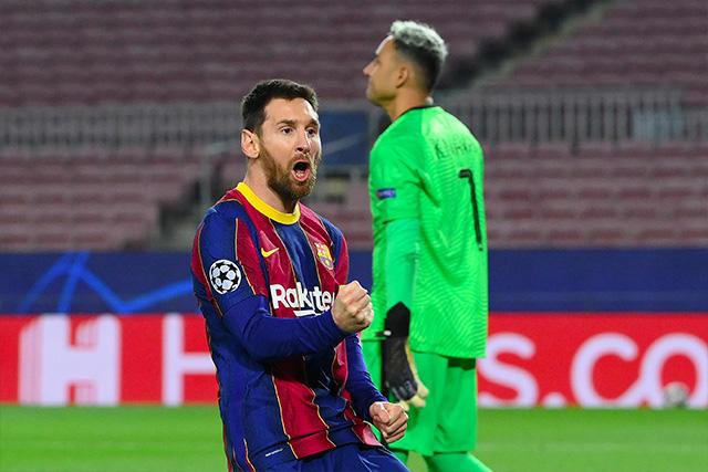 Messi celebra el 1-0 momentáneo sobre el PSG en los octavos de la Champions League