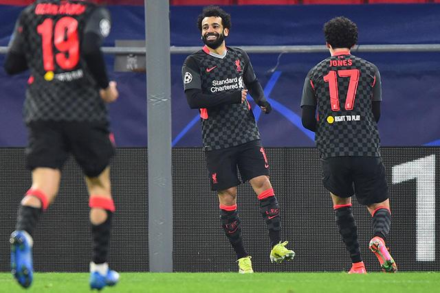 Liverpool venció 2-0 al Leipzig en la ida de los octavos de final de la Champions League