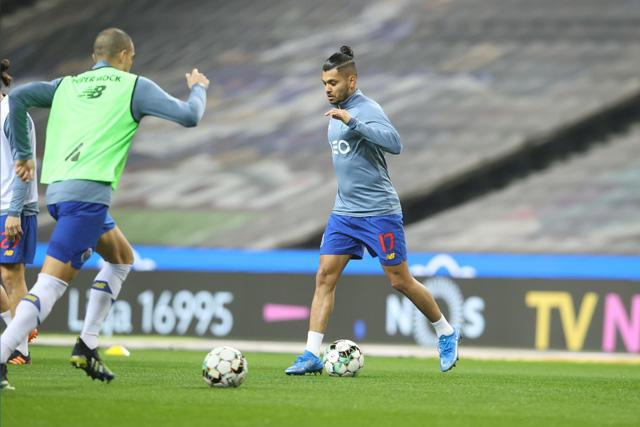 Tecatito Corona reveló la rutina que tiene previo a cada juego con el Porto