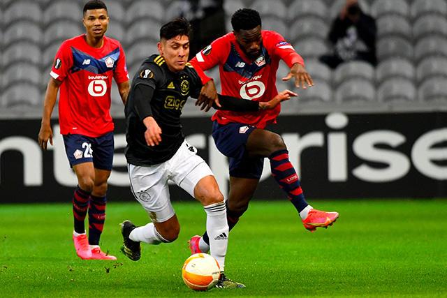 Ajax y Edson vencieron 2-1 al Lille en la ida de los dieciseisavos de final de Europa League