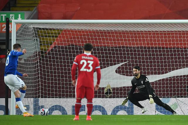 Liverpool pierde ante el Everton y se queda sin posibilidades de conquistar la Premier