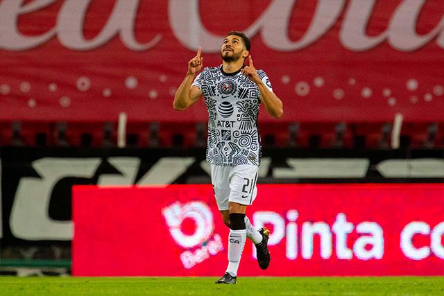 Henry Martín celebra su gol ante Atlas