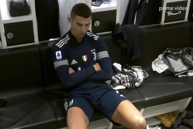 Cristiano Ronaldo molesto en el vestidor de la Juventus