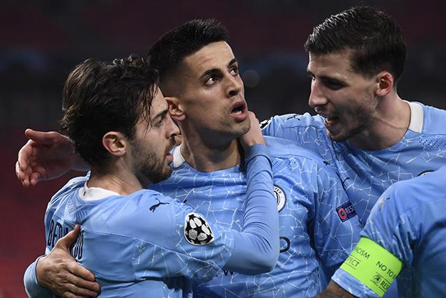 Manchester City vence 0-2 al Monchengladbach