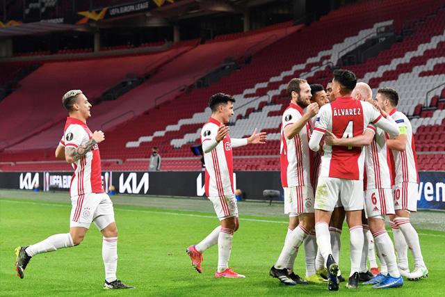Ajax y Edson Álvarez avanzan a octavos