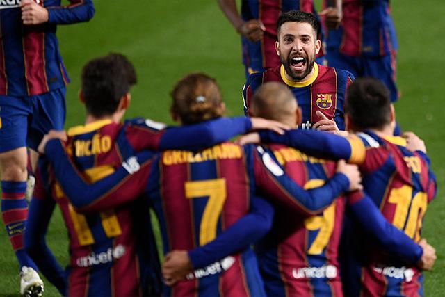 Barcelona remontó al Sevilla y los memes se desataron