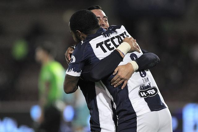 Funes Mori tuvo un gran partido al marcar dos goles
