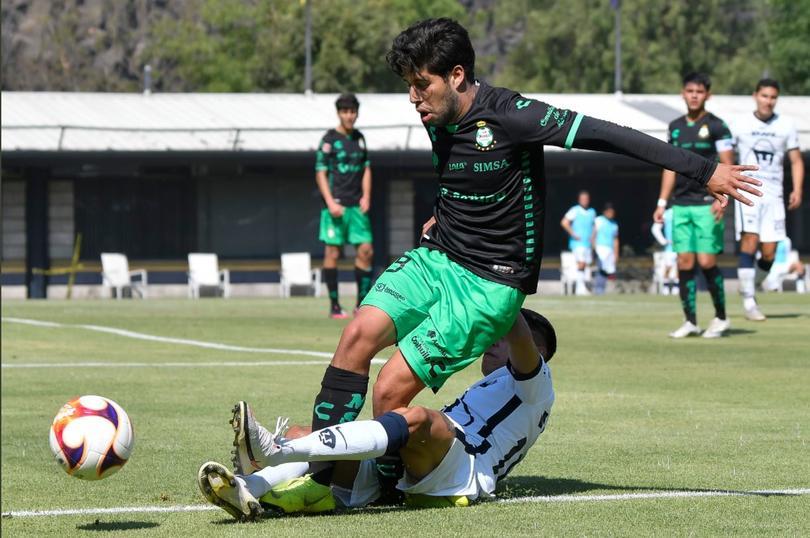 Inhabilitan a jugador de Sub-20 de Pumas que lesionó a Osmar Ruíz de Santos