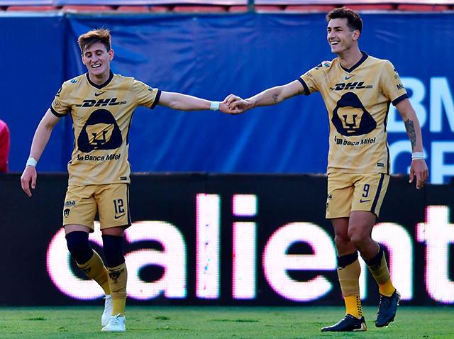 Pumas gana con hat-trick del VAR y gol de Dinenno