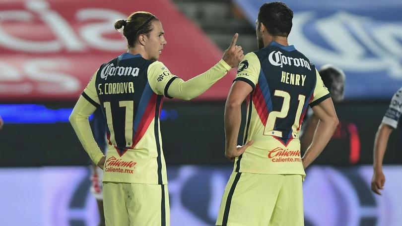 Sebastián Córdova y Henry Martín no jugarían ante Necaxa