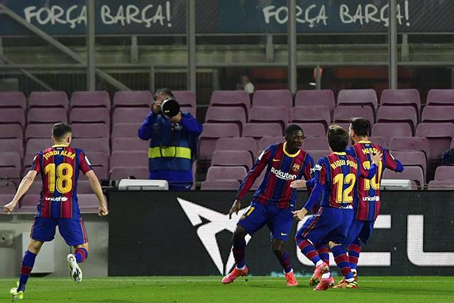 Ousmane Dembélé se encontró con el gol en los minutos finales para darle la victoria al Barcelona