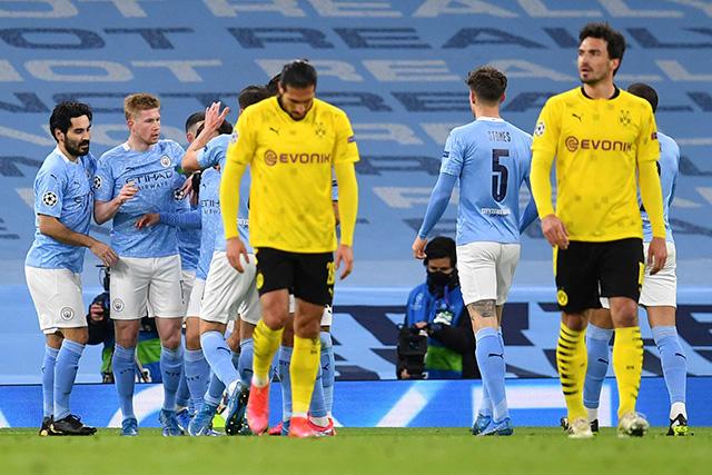 Kevin de Bruyne adelanta al Manchester City ante el Dortmund