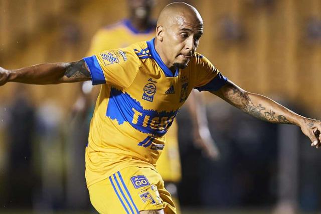 Luis Chaka Rodríguez será baja para enfrentar al América