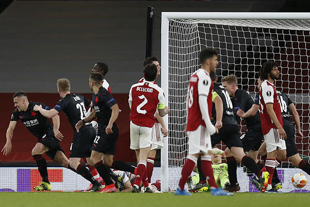 Slavia Praga le sacó el empate al Arsenal de último minuto