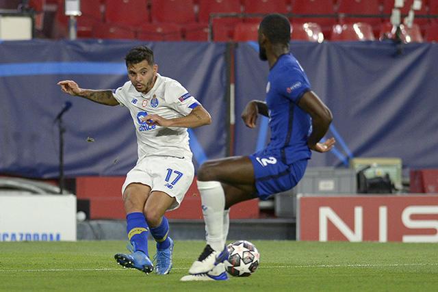 Tecatito ha sido vinculado a clubes como el Sevilla o el Chelsea