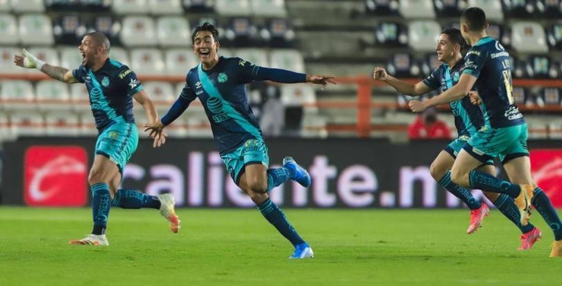 Golazo de Salvador Reyes rompe récord histórico en la Liga MX