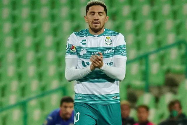 Diego Valdés, sancionado en Santos tras ser captado en un antro