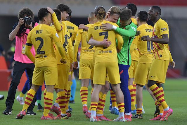 Los jugadores del Barca celebran el título