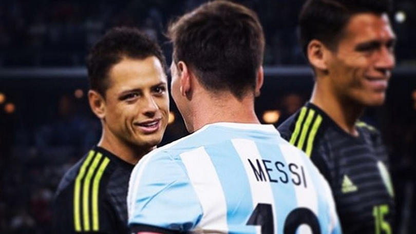 Chicharito y Messi se unen en un reto de redes sociales