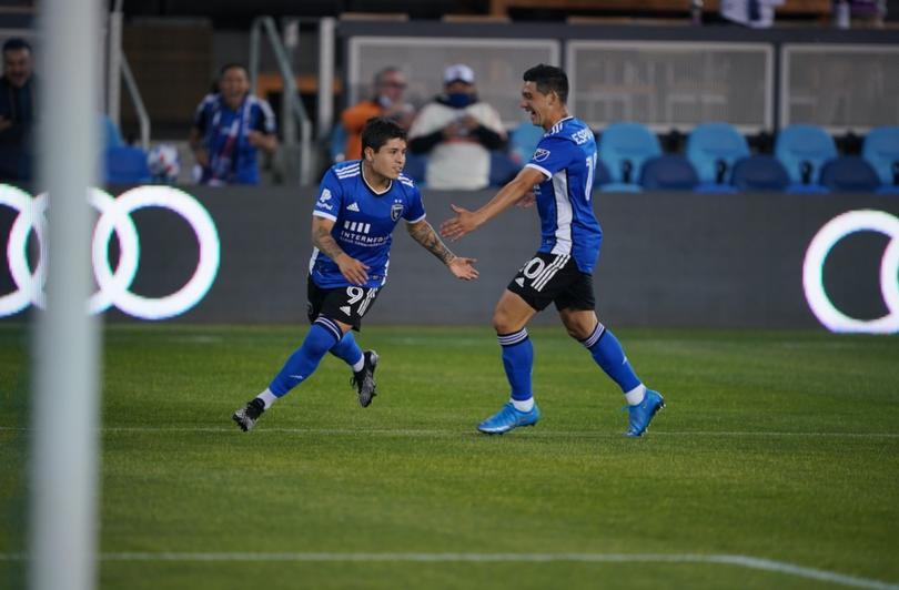 Chofis López marca su primer golazo con el San Jose en la MLS