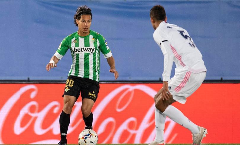 Diego Lainez seguiría en Betis la próxima temporada