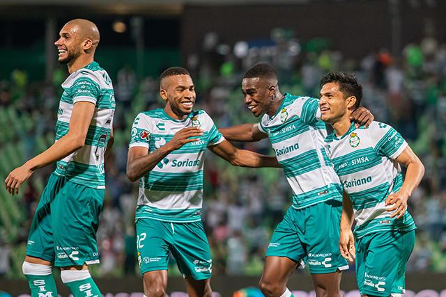 Santos golea a Querétaro y avanza a la liguilla del Guardianes 2021
