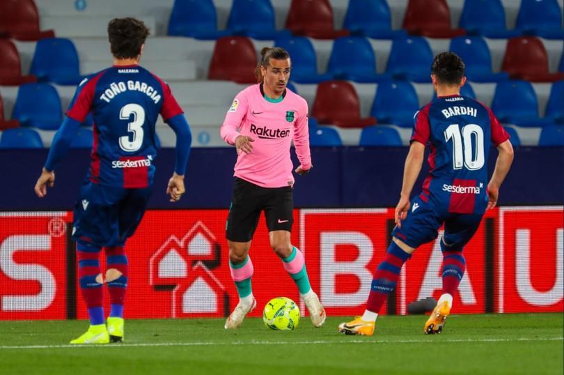 Barcelona empata ante Levante tres a tres