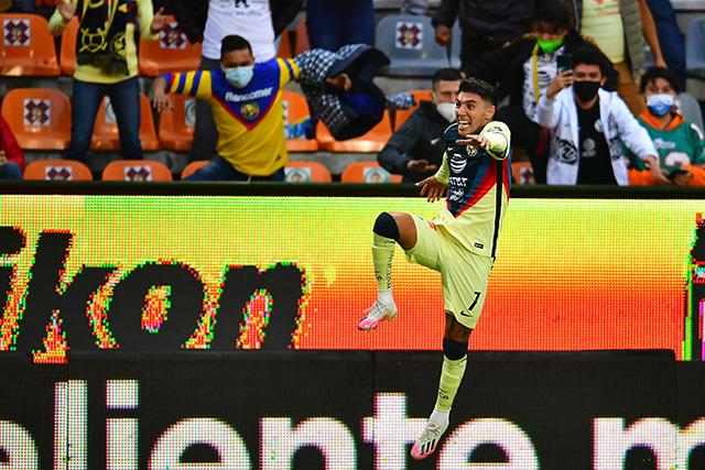 Leo Suárez celebra el gol del empate ante Pachuca