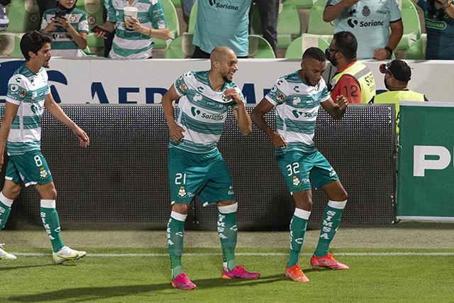 Santos vence 2-1 a Rayados en la ida de los cuartos de final