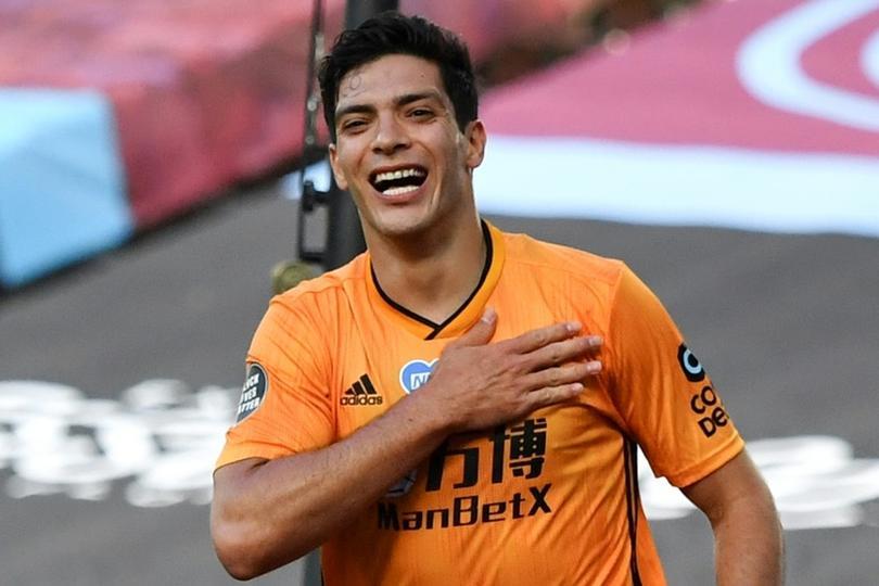 Raúl Jiménez sería convocado con Wolves para agradecer a su afición