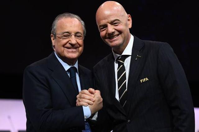 Florentino Pérez, presidente del Real Madrid y Gianni Infantino, mandamás de la FIFA