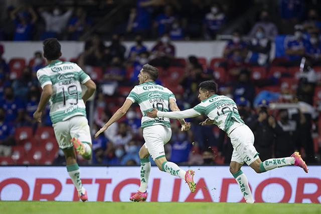 Valdés sacó un zurdazo imposible de atajar para igualar el marcador