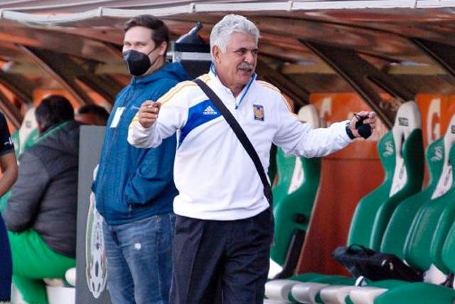 Ricardo Ferretti llega a Bravos