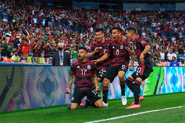 Tecatito celebra su gol ante Estados Unidos