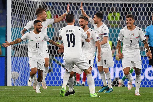 Italia se impone 3-0 a Turquía en el primer juego de la Euro 2020