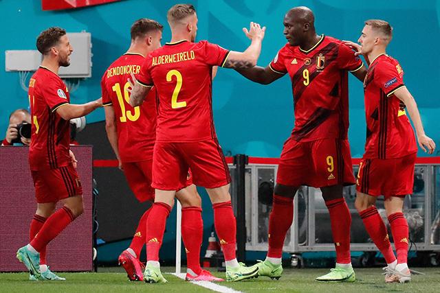 Lukaku y Meunier le dieron a Bélgica su primera victoria en la Euro