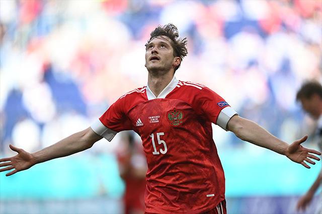 Miranchuk celebra su gol ante Finlandia que le dio el triunfo a Rusia en la Jornada 2 de la Euro