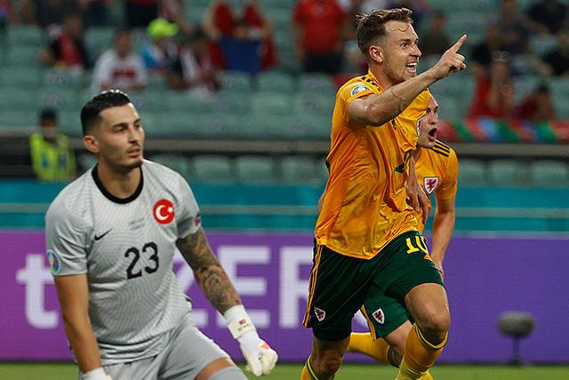 Gales venció 2-0 a Turquía y se acerca a los cuartos de la Euro