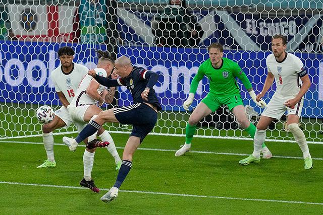 Inglaterra y Escocia empatan a cero en el cierre de la jornada del viernes en la Euro 2020