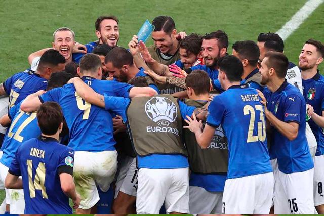 Aunque sufrieron, Italia venció a Austria y conocerá a su rival el domingo